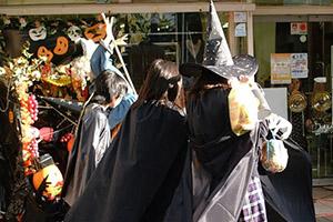 仮装 ハロウィンコン